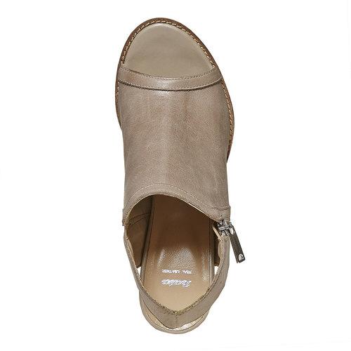 Scarpe in pelle con punta aperta bata, beige, 724-2530 - 19