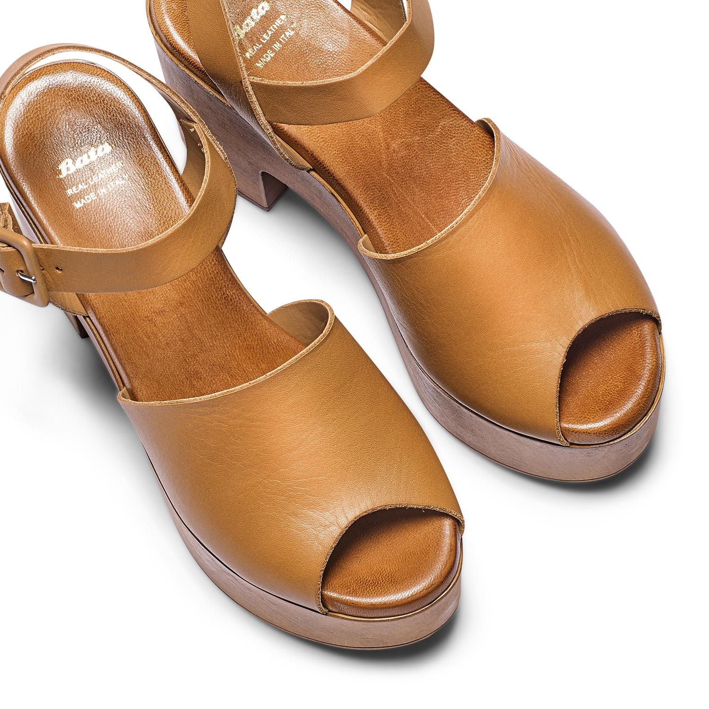 ... Sandali con tacco largo bata 2c55cb00365